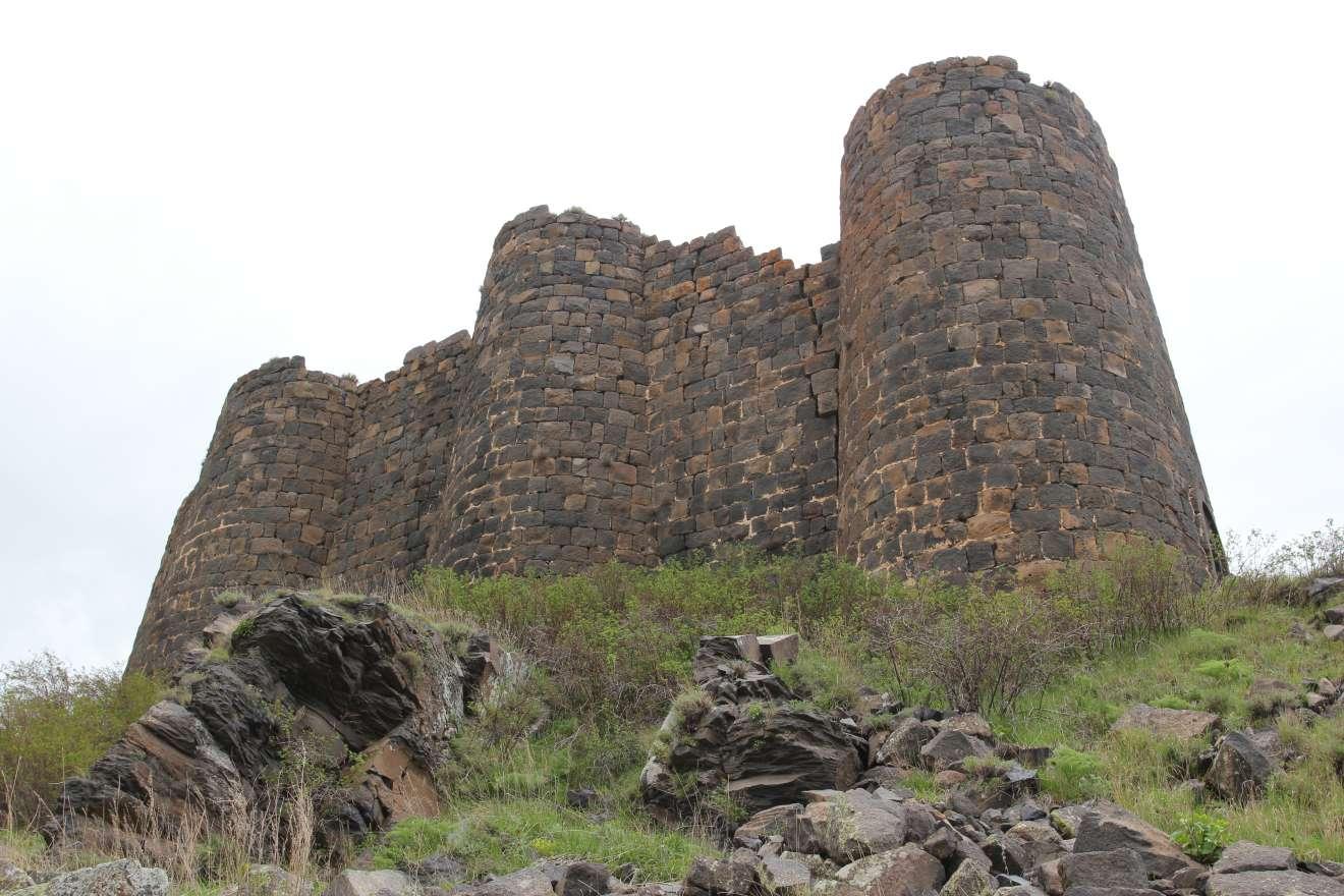 Замок Амберд (130.98КБ)