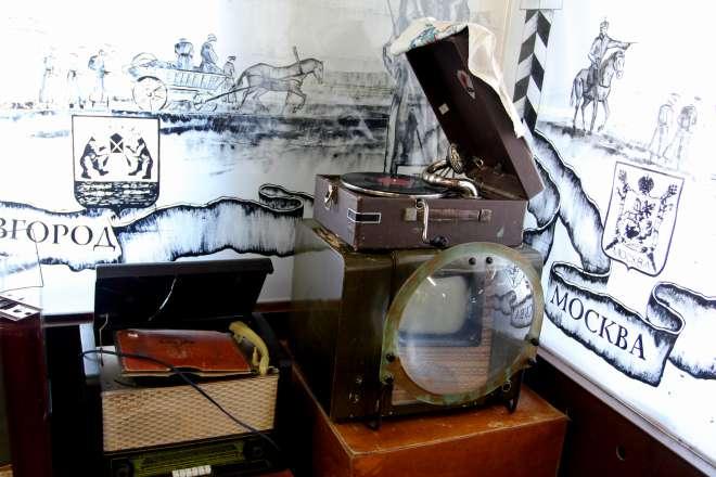 Телевизор КВН-49 в музее Сибирского тракта (79.15КиБ)